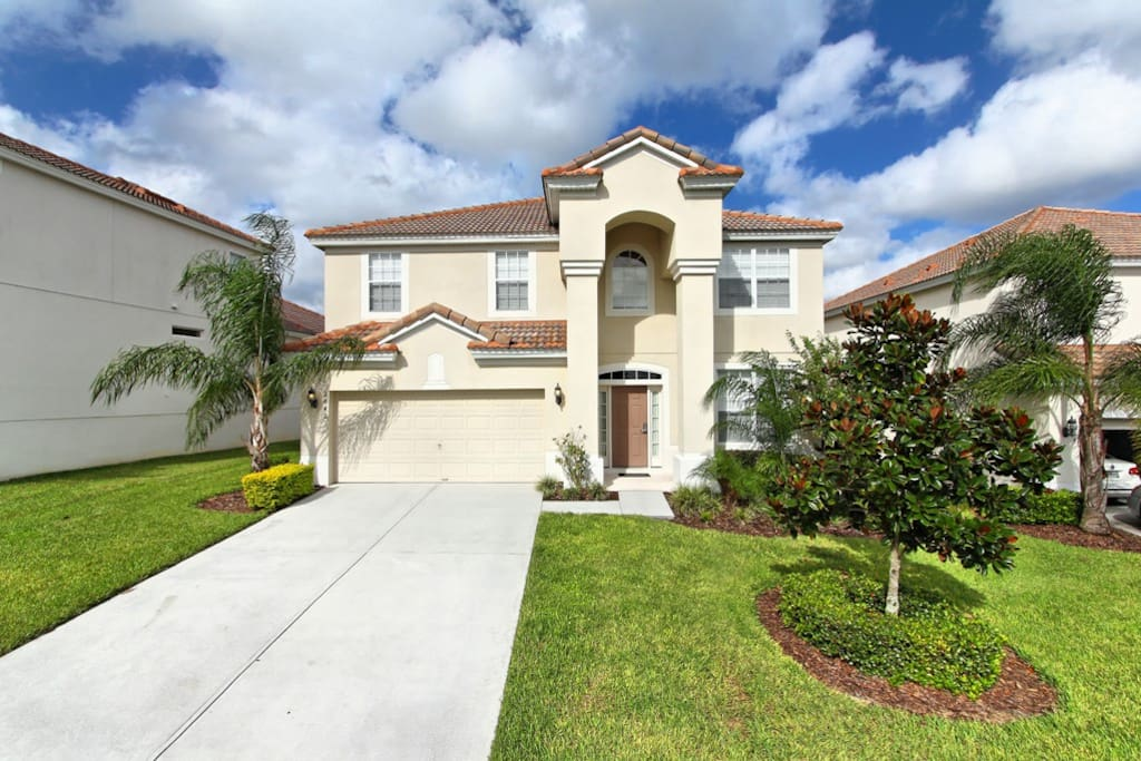 This superb 6 bedroom vacation home is located on the popular Windsor Hills resort - that's just 2 miles from Walt Disney World® Resort in Orlando.