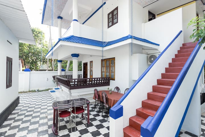 Air Conditioned 2-B/R Villa near Marari- Xanadu..!