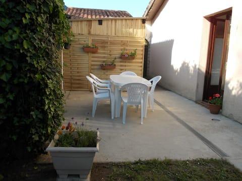 T3+  jardin 4/5 pers proche Margaux, Lacanau, Bx