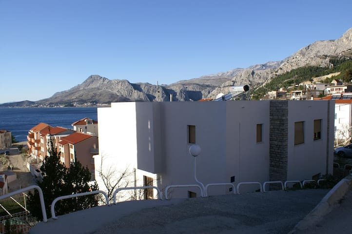 One bedroom apartment with air-conditioning Nemira, Omiš (A-2828-c)