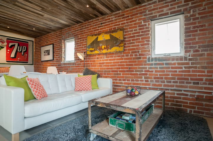 Amazing Guesthouse-Perfect Lohi/Highland Location
