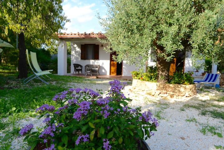 Lovely cottage with big above-ground swimming pool - Lido di Noto - Hus