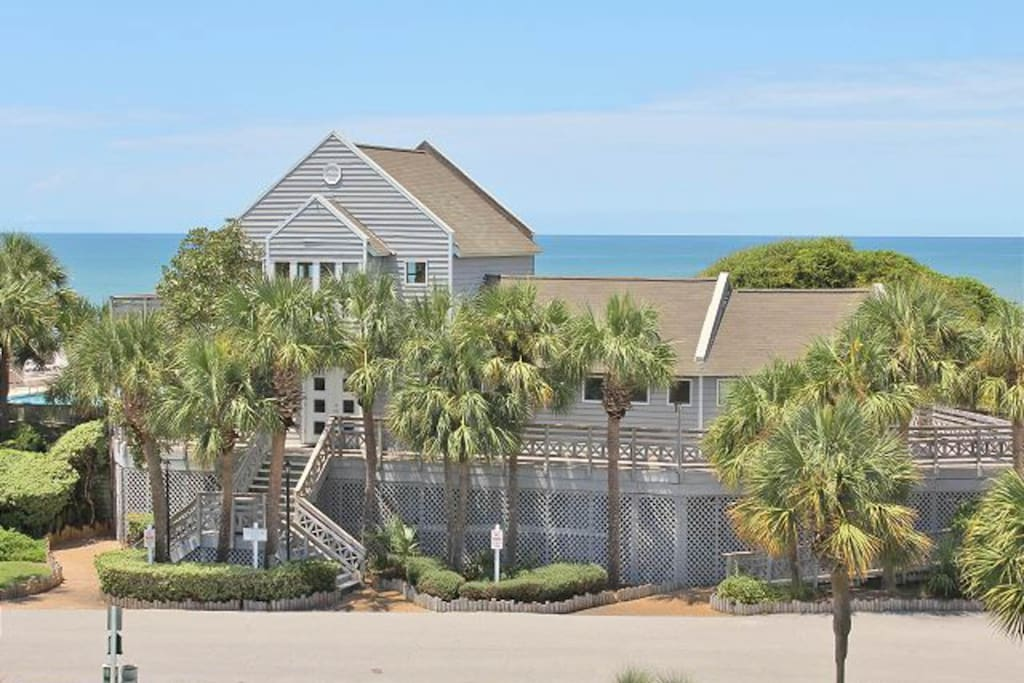 hindu singles in gulf county Beach house with panoramic views of st vincent island and the gulf boardwalk to sandy beach  this home has everything for beach retreat each bedroom has its own bathroom, granite counters etc the kitchen is a cooks delight with top of the line appliances elevator from enclosed three car garage to living level fireplace in living area along with built in entertainment center.