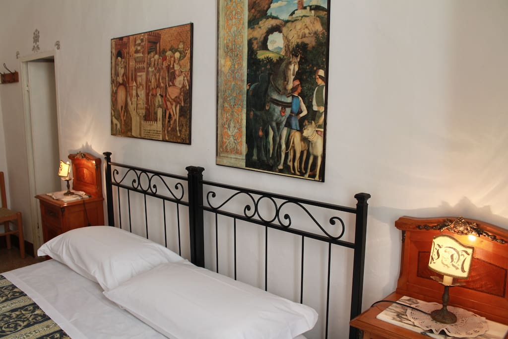 Enjoy the real sienese atmosphere staying in a piece of history!