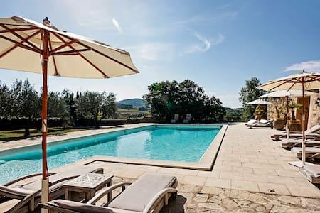 Chateau De Villedieu: 112100 - Vaison-la-Romaine - Villa