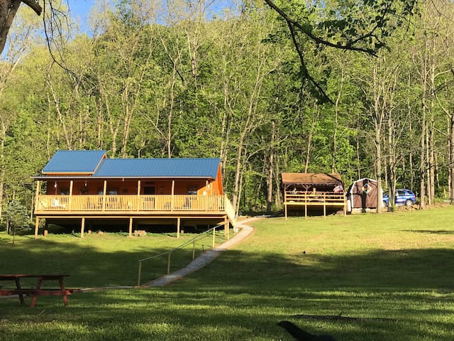 Delightful Amish-built Creekside Cabin with Dock