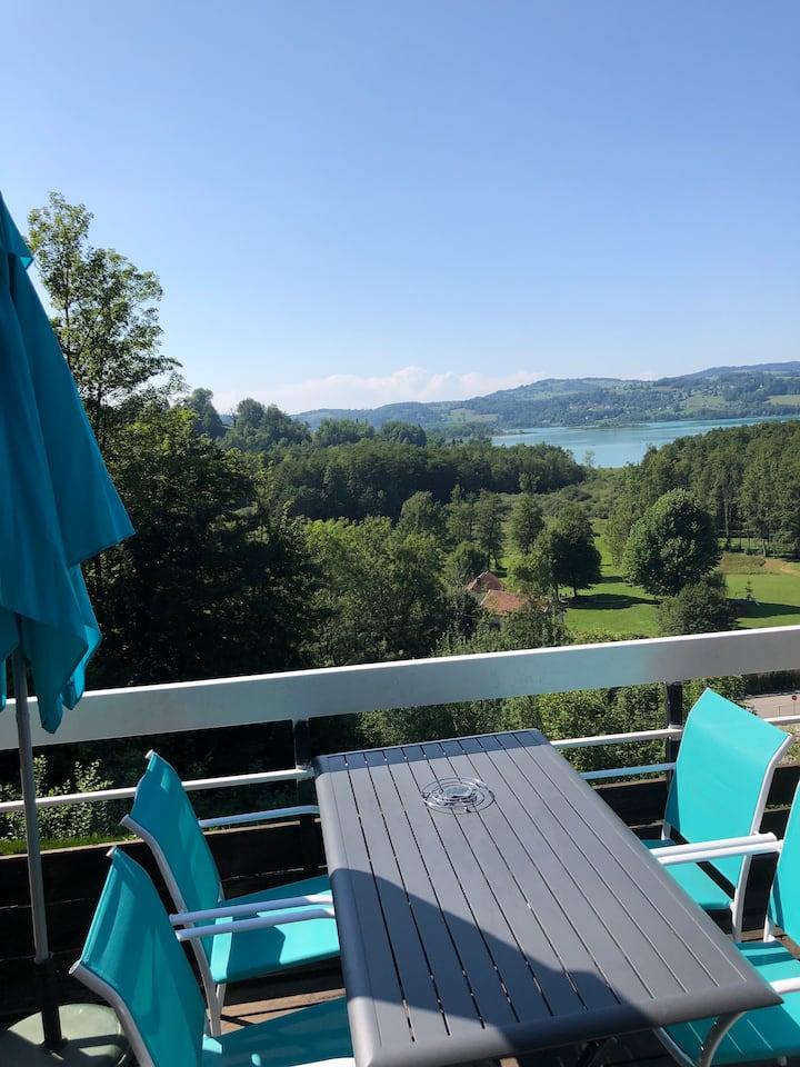 Appartement avec vue sur le lac d'Aiguebelette