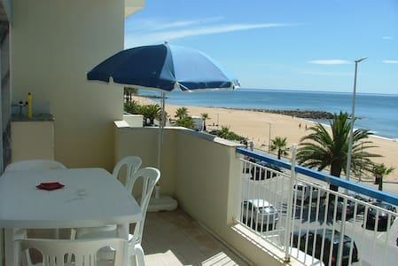 T1 for rent, sea front for holidays - Quarteira - Daire