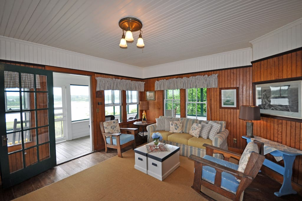 Gooch Cottage:  Picture # 3 Living Room