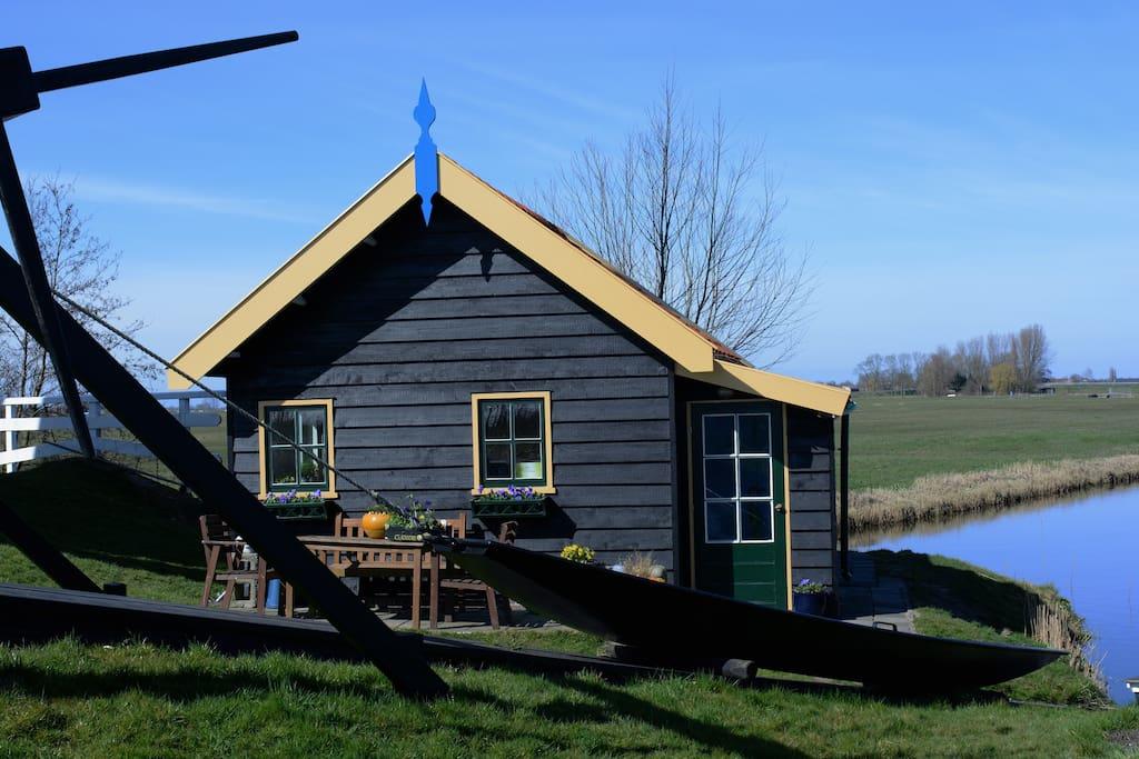 zomerhuis naast de Blauwe molen