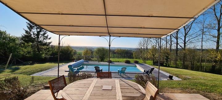 Charente Maison cadre idyllique, piscine, 8 pers