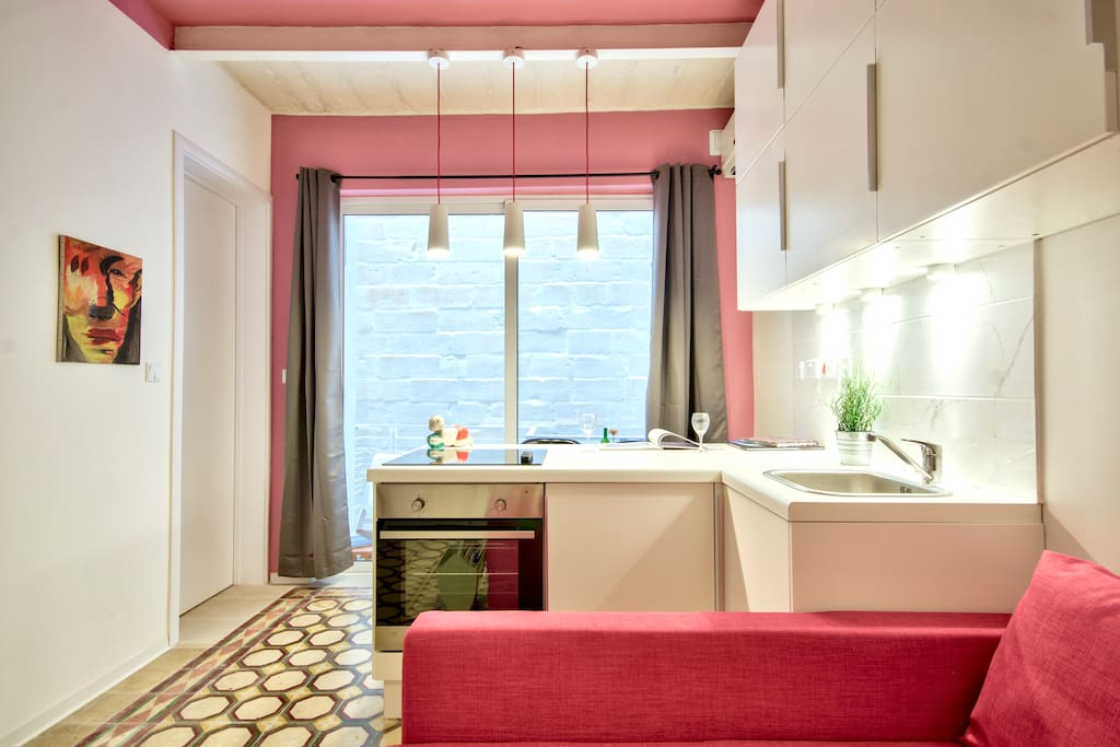 maison artistique la valette r tro bordello appartements louer la valette malte. Black Bedroom Furniture Sets. Home Design Ideas