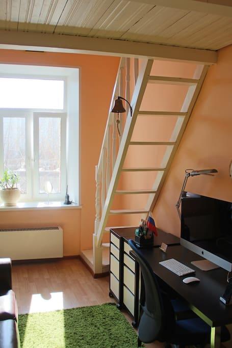 2-level master bedroom / Двухуровневая хозяйская спальня