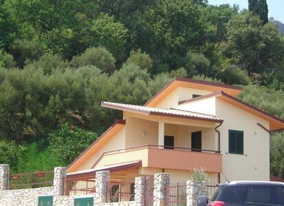 villetta con terrazzi 400mt mare - San Giorgio di Gioiosa Marea