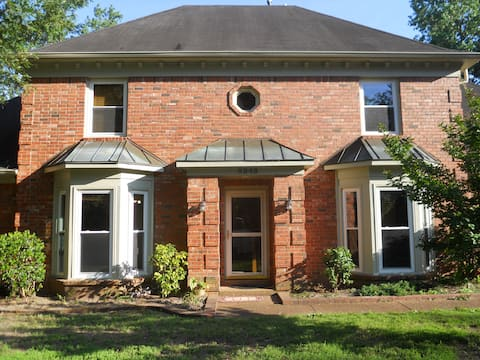 1-2 bedrooms in private upstairs, no cleaning fee