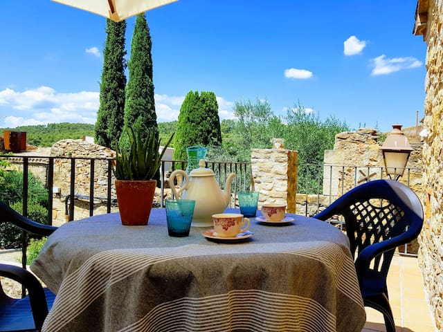 Apartment in the medieval village,  Peratallada