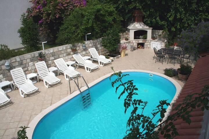 2S8 Villa Leona 10 m from the sea - Zaton - Apartamento