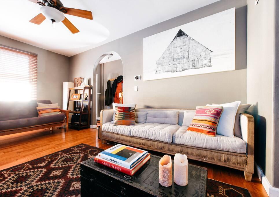 Couch / Futon