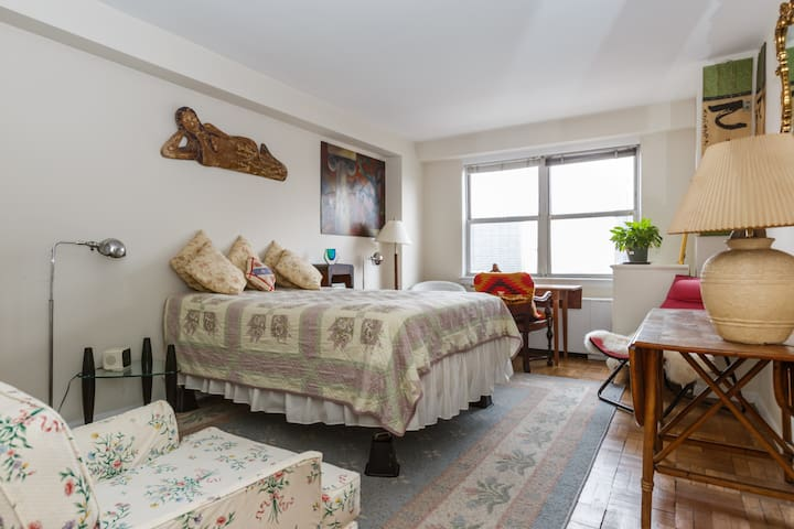 Furnished Large Bedroom 15 day minimum - New York - Apartment