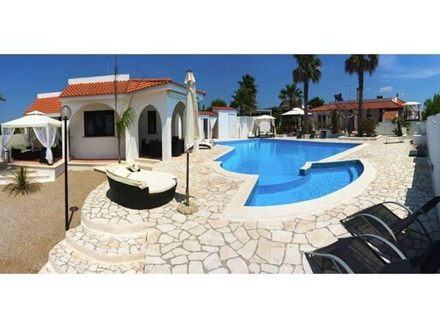 Gallipoli villa con piscina 13 p.l. - Galípoli - Casa de camp