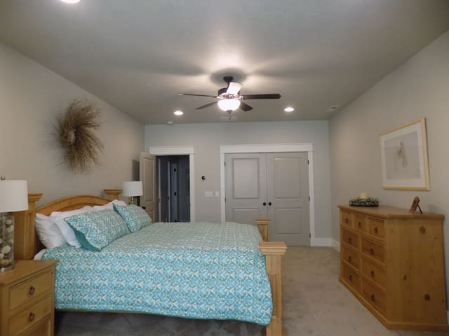 Private Upstairs Oasis - Meridian - Ev