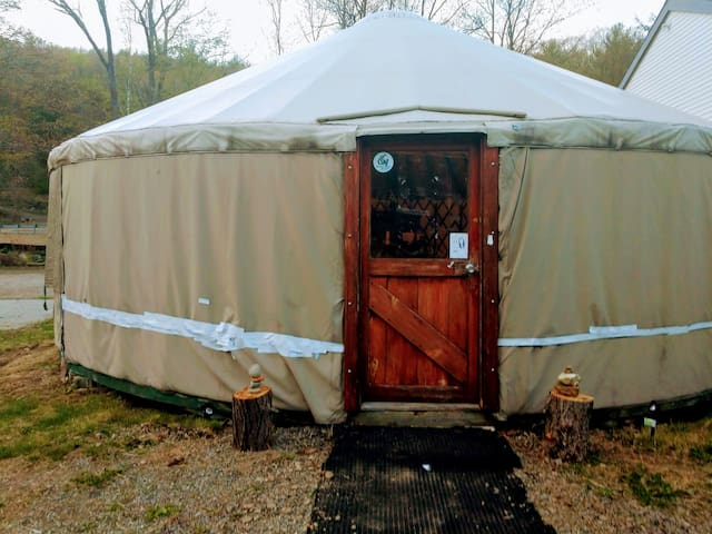 Glamping - Mountainside Yurt with a view