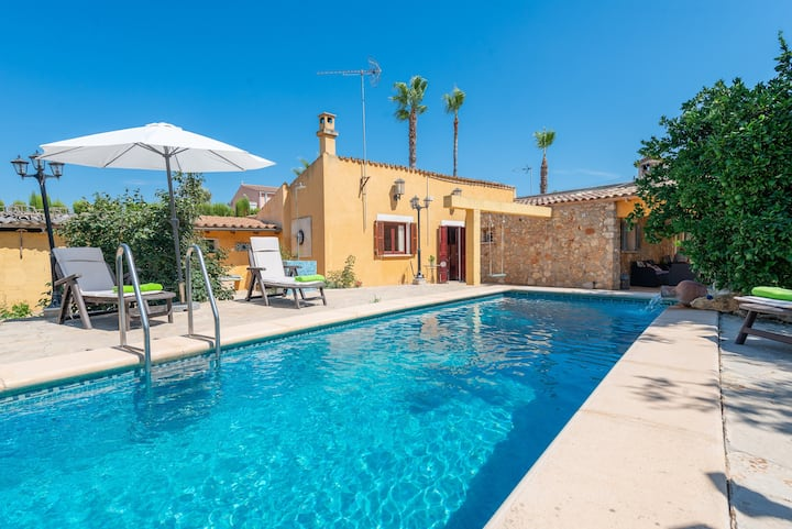 RACO DE CAN PEP - Beautiful traditional Majorcan house with private pool in a quiet and rural area. Free WiFi