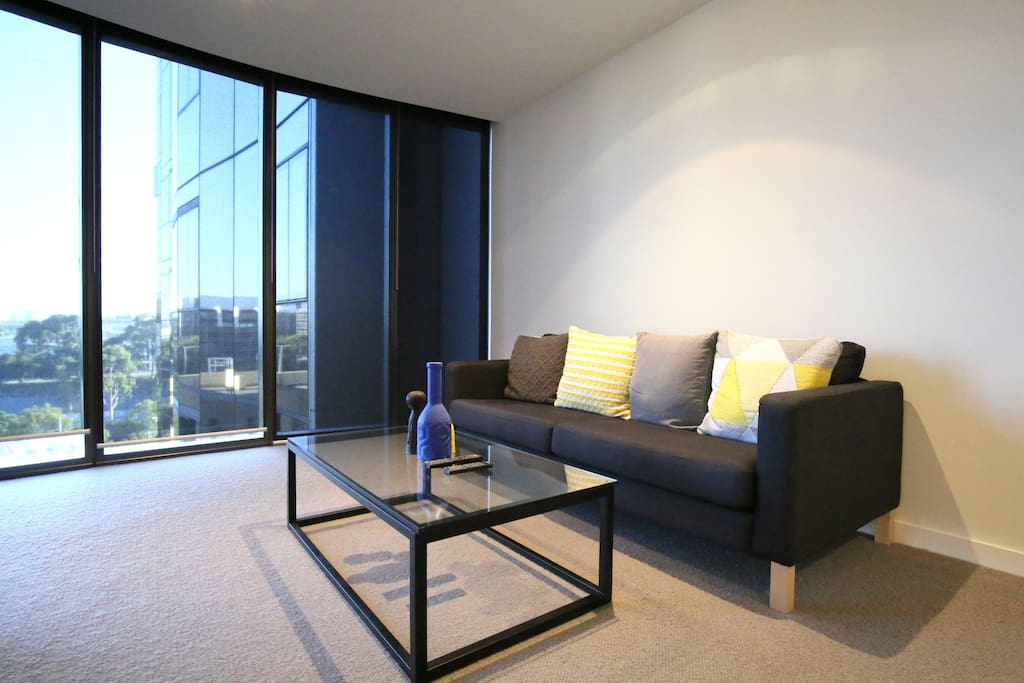 Sit back and relax, catch up on some TV and watch the city skyline from your sofa.