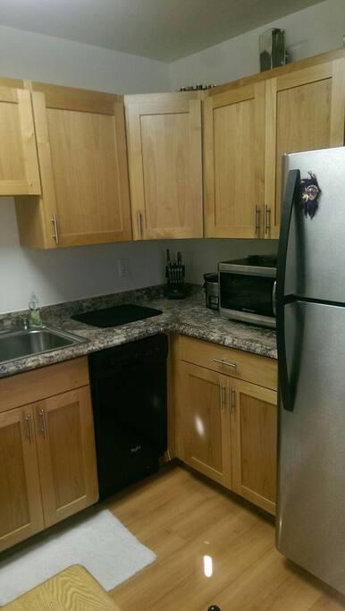 Crock pot, microwave, dish washer