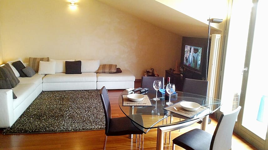 SUNNY PENTHOUSE FOR BUSINESS MILAN - Cesano Maderno - Wohnung