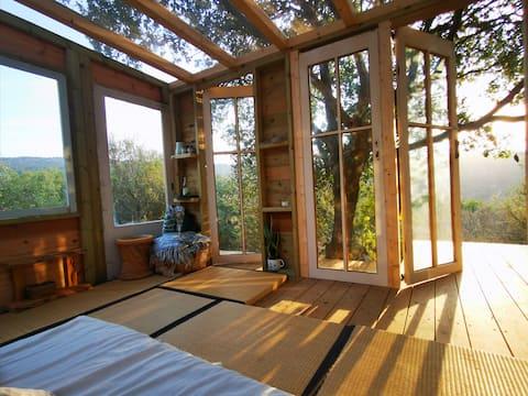 Kedma, stunning hut  in the nature(DayaGeusthouse)