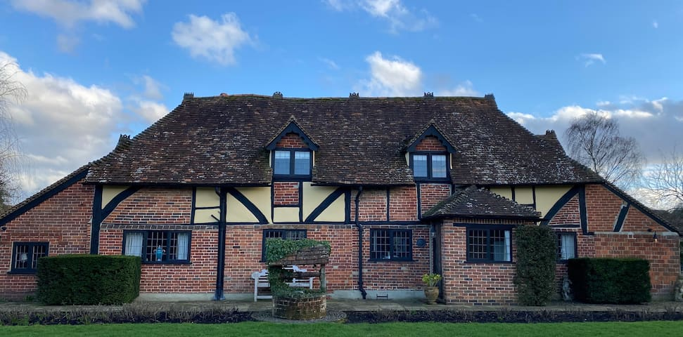 16th Century Cottage, near Guildford