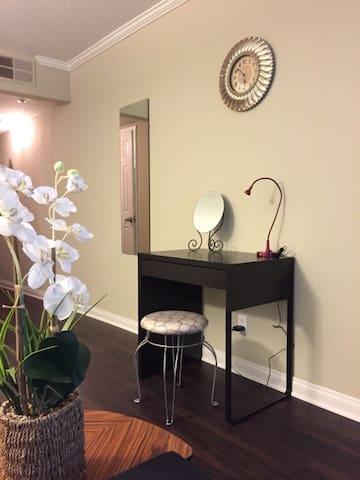 Hollywood Stylish one bedroom+Parking - Los Angeles - Appartement