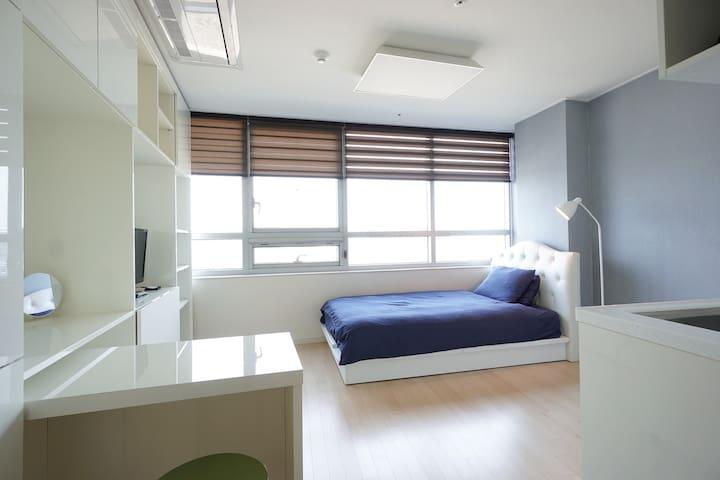 Newly open modern Pangyo studio(#1) - Bundang-gu, Seongnam-si