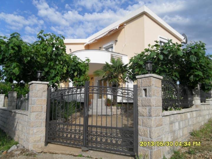 1 floor villa on the Adriatic coast