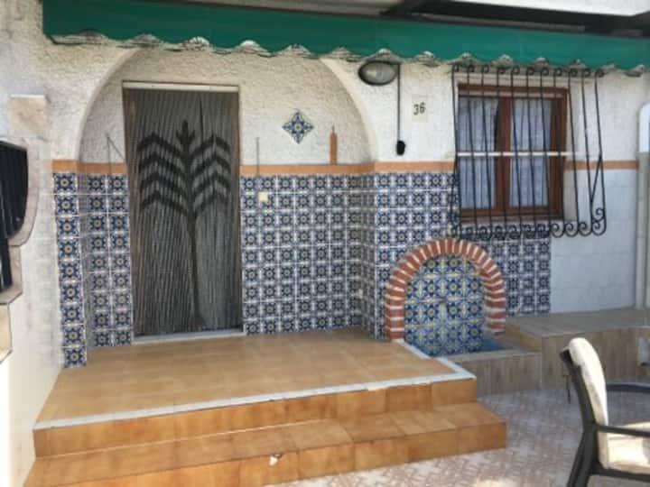 Grande maison avec terrasse secteur paseo maritimo