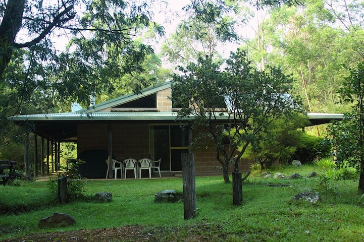 Clyde River Retreat (Carisbrook) - Morton - Kabin