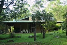 Carisbrook Lodge - 3 bedrooms, sleeps 8.