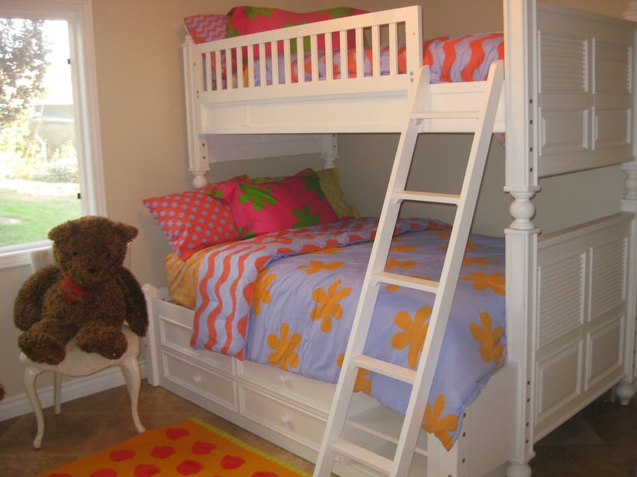Bunk bed room with tv/dvd player and built-in desk