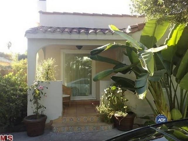Guest House with Separate Access!!