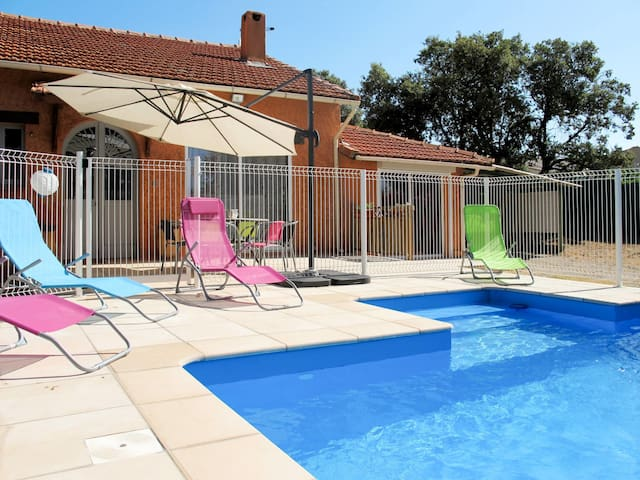 Holiday house for 6 persons in Ampus
