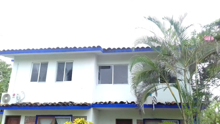 Bungalow para 6 personas bungalows for rent in casitas for Casitas veracruz