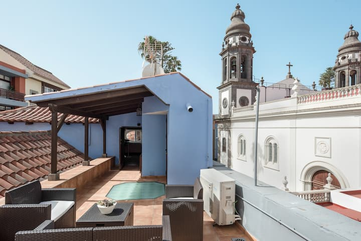 "Cozy Holiday Apartment ""La Buhardilla de la Vicaría"" in a Superb Location with Terrace & WiFi"