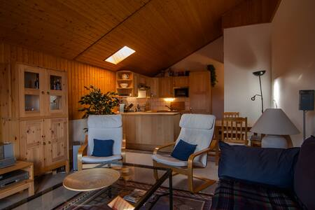 Lovely apartment in mountain chalet - Champoussin - 牧人小屋