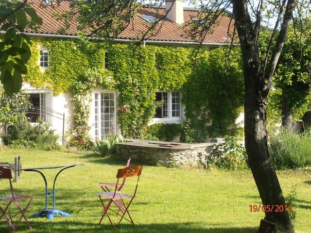 Gîte 3***  Montoussé - Montoussé - House