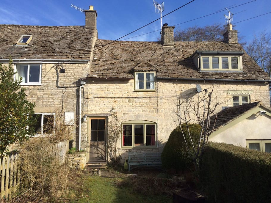 Charming Cotswold Cottage