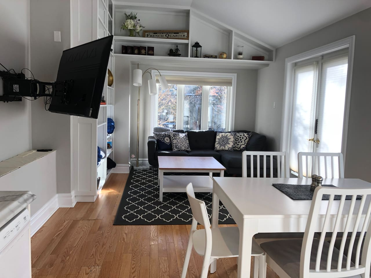 Entire Unit within Historic Home Downtown London