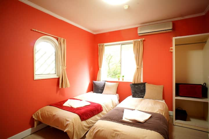 ☆Twinbed room☆10min walk From Sta.Free pick up!