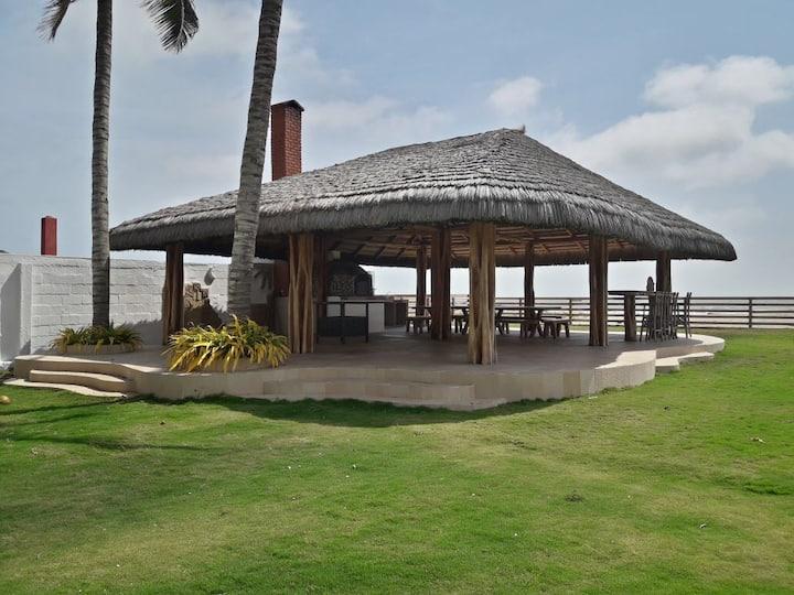Casa privada-frente al mar PLAYAS VILLAMIL-ECUADOR