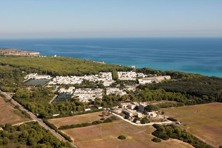 Villaggio Conca Specchiulla sul mare